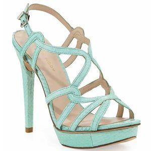 NWT Pelle Moda Flirty Sandal